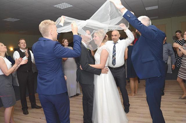 Düğün, duvak dansı