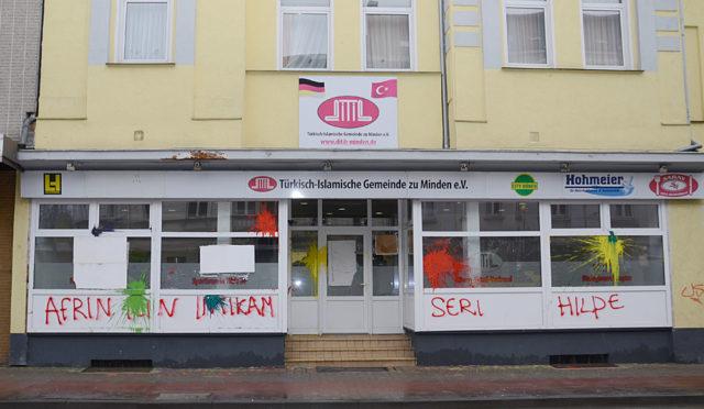 Almanya'nın Minden şehrinde ve Kaiserstr. 9 numarada bulunan DİTİB'e bağlı Barbaros Cami