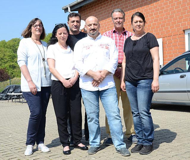 Soldan sağa: Renate Salzsieder, Ayşe Akbulut, Hüseyin Solmaz, Erol Akbulut, Markus Korte ve Selma Akın.