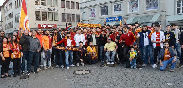 Galatasaray taraftarları Jahnplatz'de idi