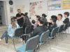 """Ural Şoför sahibi Erhan Ural, (en öndeki) """"haftanın 4 günü ders yapılıyor"""" dedi."""