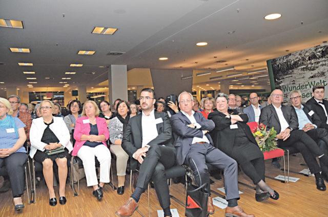 Bielefeld Çağdaş Yaşam Derneği'nin açılışına siyaset dünyasından çok sayıda davetli katıldı.