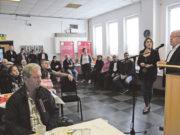 Bielefeld Alevi Kültür Merkezi'nin verdiği kahvaltıya katılan Bielefeld Belediye Başkanı Pit Clausen, Bielefeld'de 20 senedir yapılmayan alt yapı çalışmasının başladığını, bundan dolayı da çok mutlu olduğunu söyledi.