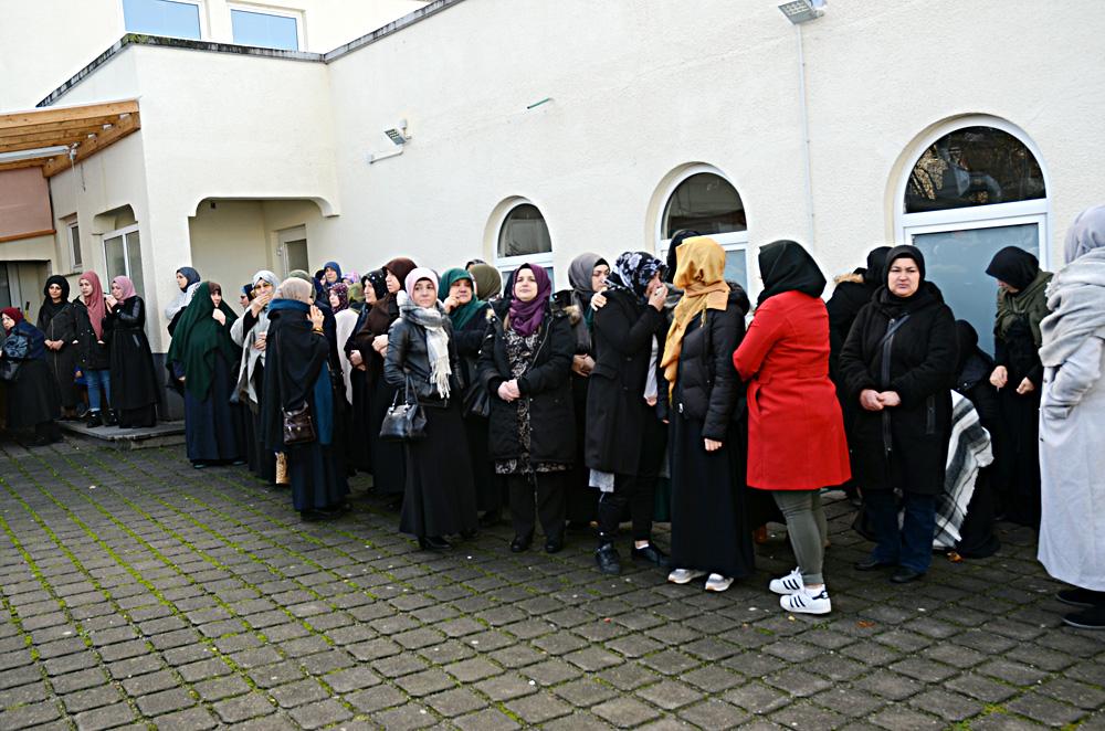 Katılımcılar arasında bayanlarda vardı