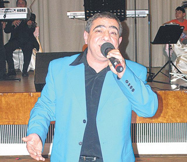 Türk Sanat Müziği'nin usta yorumcusu Bülent Eskimez.