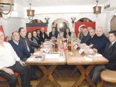 Argentina Steakhouse'da verilen yemeğe T.C. Münster Başkonsolosu Pınar Gülün Kayseri de (sağ baştan 7.) katıldı.