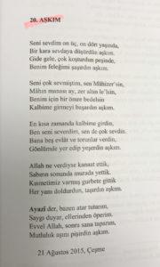 Eşi Mahizer Erdem'e yazılan şiiri okuyunca büyük alkış aldı.