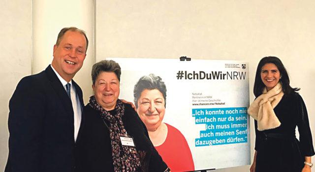 NRW Eyaleti Uyum Bakanı Joachim Stamp, Nebahat Polhreich ve Uyum Müsteşarı Serap Güler.