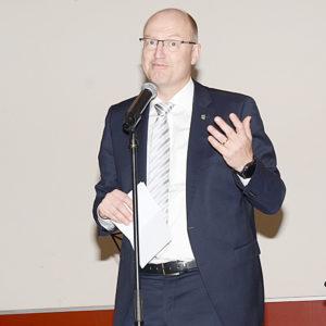 Verl belediye başkanı Michael Esken selamlama konuşması yaptı.