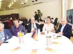 Basin zirvesinde İbrahim Karaman, Metin Yazarel, Şefik Kantar, Zeynep K. Kantar ve Ali Kılıçarslan aynı masayı paylaştı.