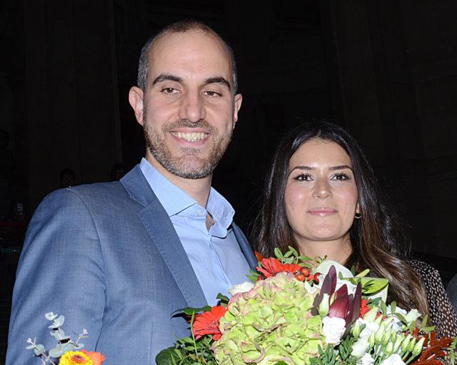 Hannover Anakent Belediye Başkanı seçilen Belit Onay ve eşi Derya Onay.