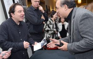 Fazıl Say'ın konserinde Bielefeld ADD başkanı Kemal Kaptan'da hazır bulundu. Konserden sonra CD'sini imzaladı.
