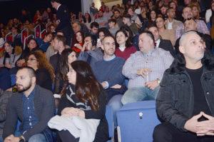Büyükşehir Belediyesi başkanı Türkiye kökenli Belit Onay ve eşi Derya Onay ile T.C. Hannover Başkonsolosu Banu Malaman konserde yerlerini almışlardı.