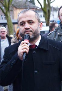 Bünde Yeni Cami din görevlisi Mehmet Altun.