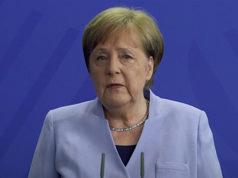 Şansölye Angela Merkel (Video ekran fotoğrafı)